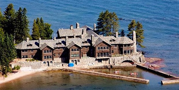 Largest log home