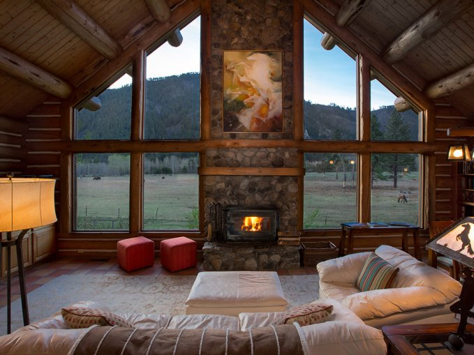 Log house ranch interior