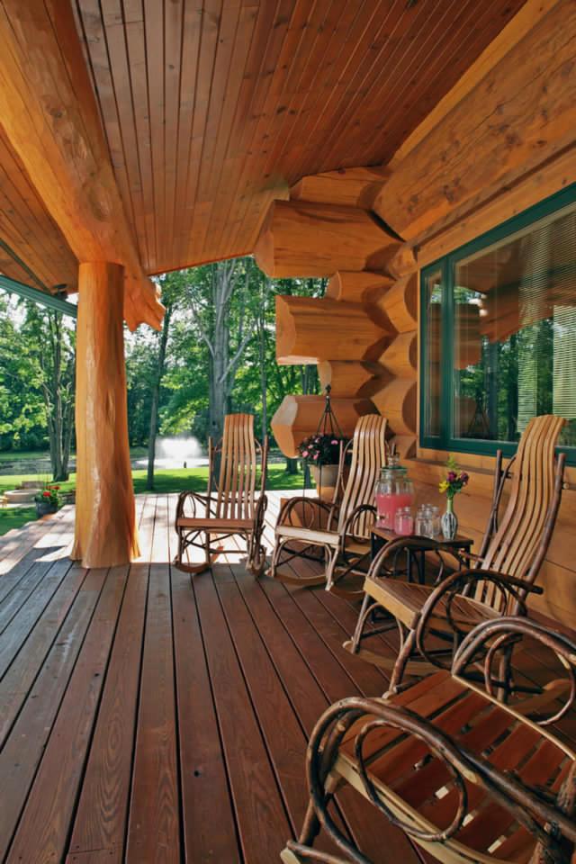 Beautiful log home porch