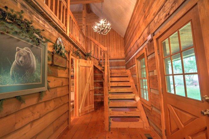 Log home stairs