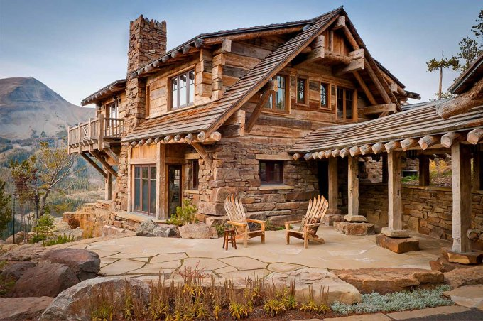 Dancing Hearts log home in Montana