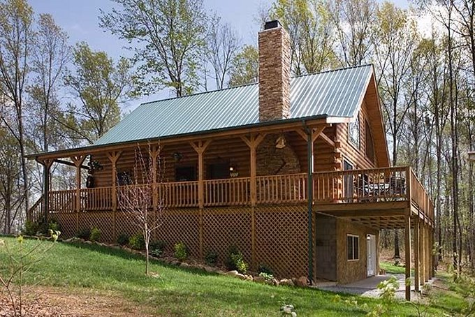 Country style log home