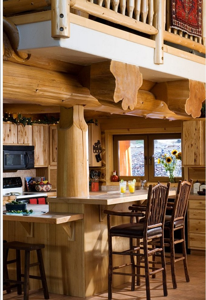Full scribe log home interior
