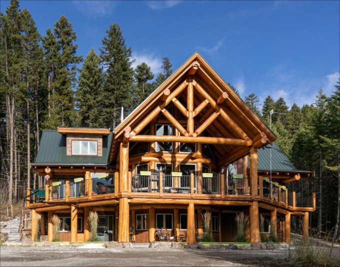 Log home in Golden