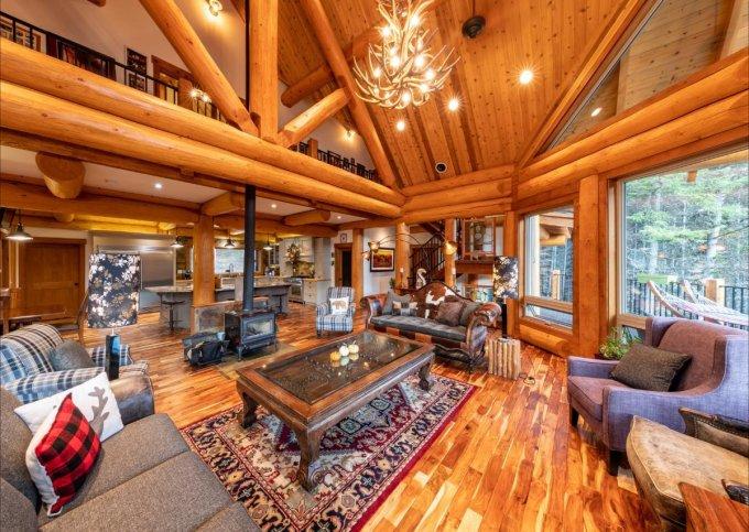 Log home in Golden