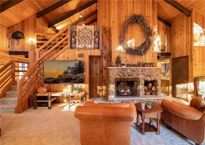 Log cabin in Poconos